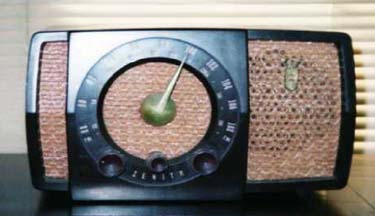 Zenith R723 Table Radio