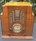 Silvertone (Sears)  M-1808 Table  Radio ca 1934 -- front view