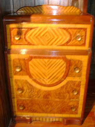 Attractive Dianeu0027s Waterfall Chest