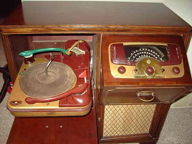 Antique Radio Forums • View topic - Looking for some information ...