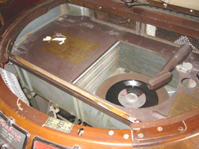 Seeburg Model 146 (Symphonola/Trashcan) Jukebox details of changer