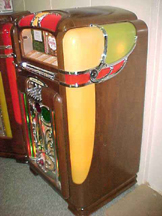 Wurlitzer Model 700 Jukebox - Side