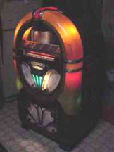 Wurlitzer Model 750 Jukebox - Front, Lit