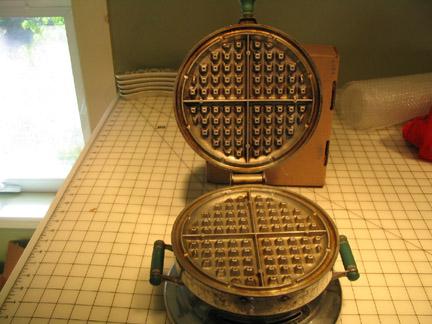 waffle iron foot. Waffle Iron picture: